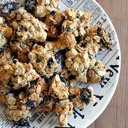 Cookies and Cream Cranola_top
