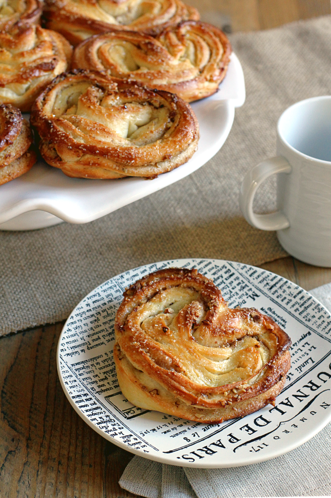 Heart-Shaped Cinnamon-Sugar Buns_close