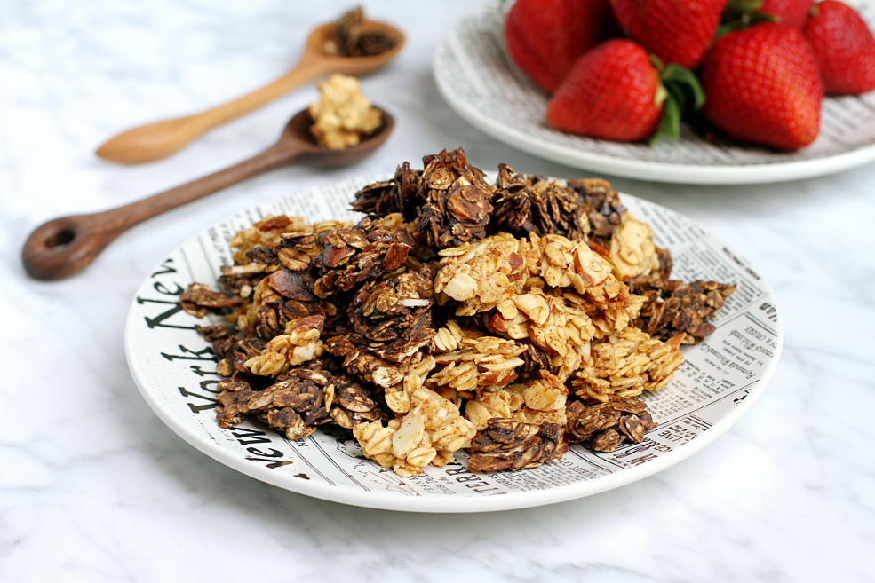 Black & White Banana Granola