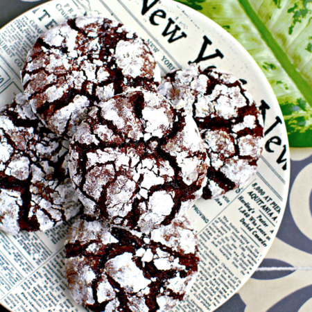 Chocolate Crinkle Cookies_top