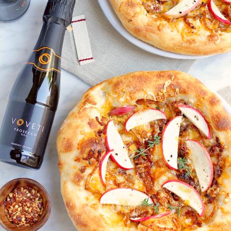 Apple and Caramelized Onion Pizza + VOVETI Prosecco_top