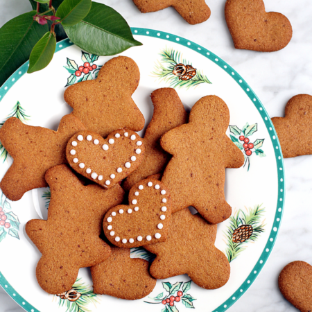 Crisp Vegan Gingerbread Cookies_top
